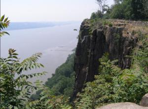 palisades_sill_near_englewood_cliffs
